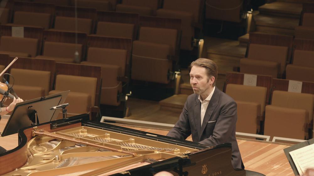 Mozart: Piano Concerto No. 21 K.467, III. Allegro vivace assai