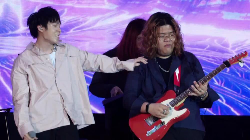 Mirrr   JOOX x Siam Paragon Present Thailand Top 100