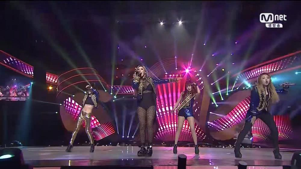 〈HELLO BITCHES〉〈FIRE〉〈I AM THE BEST〉2015 MAMA