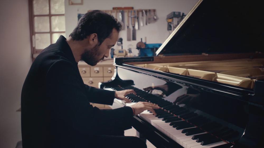 """Beethoven: Excerpt - """"Waldstein"""" Piano Sonata No. 21 in C Major, Op. 53 - I. Allegro con brio (Official video)"""