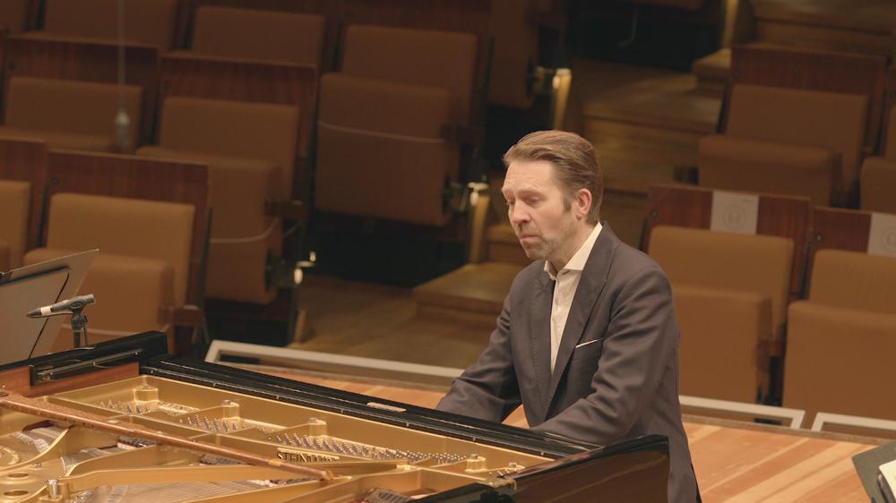 Piano Concerto No. 20 in D minor, K. 466 - II. Romanze
