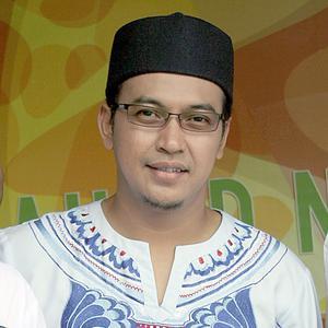 Ustad Jefri Al Buchori