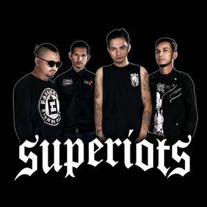 SUPERIOTS