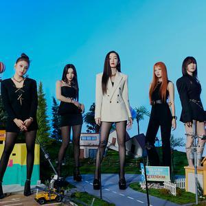 Queendom Red Velvet