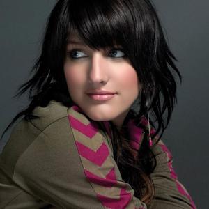 Ashlee Simpson ดาวน์โหลดและฟังเพลงฮิตจาก Ashlee Simpson