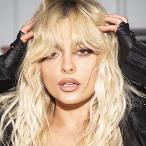 Bebe Rexha ดาวน์โหลดและฟังเพลงฮิตจาก Bebe Rexha